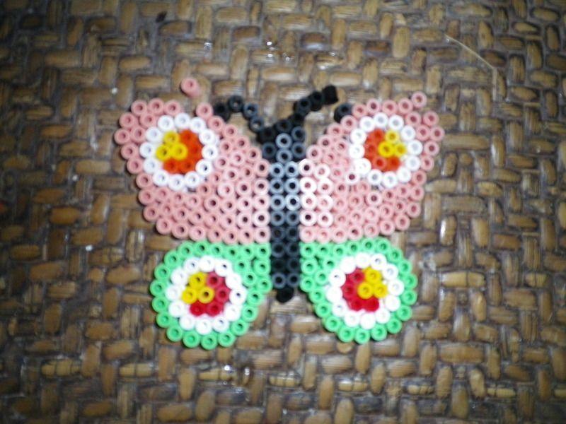 papillon et chateau en perle a repasser mod le perles repasser coeur. Black Bedroom Furniture Sets. Home Design Ideas
